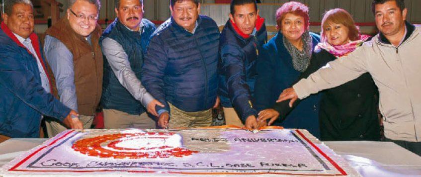 Unión, compañerismo y alegría en el tradicional festejo de Cooperativa Cuauhtémoc en su base de Tecamachalco, Puebla